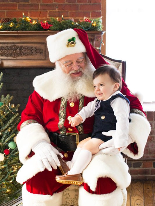 Santa is coming to visit Kate L Photography!