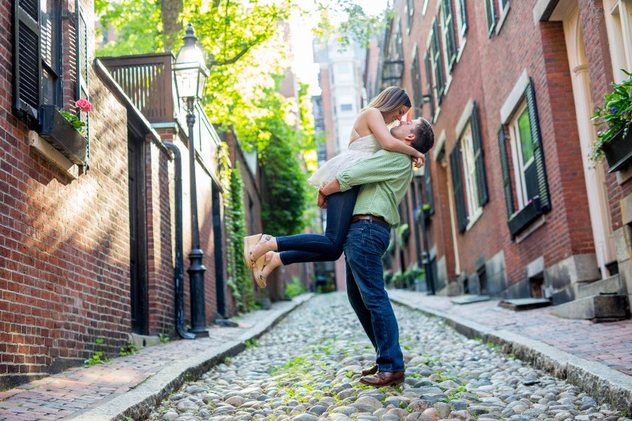 Engagement Photos in the Boston Public Garden