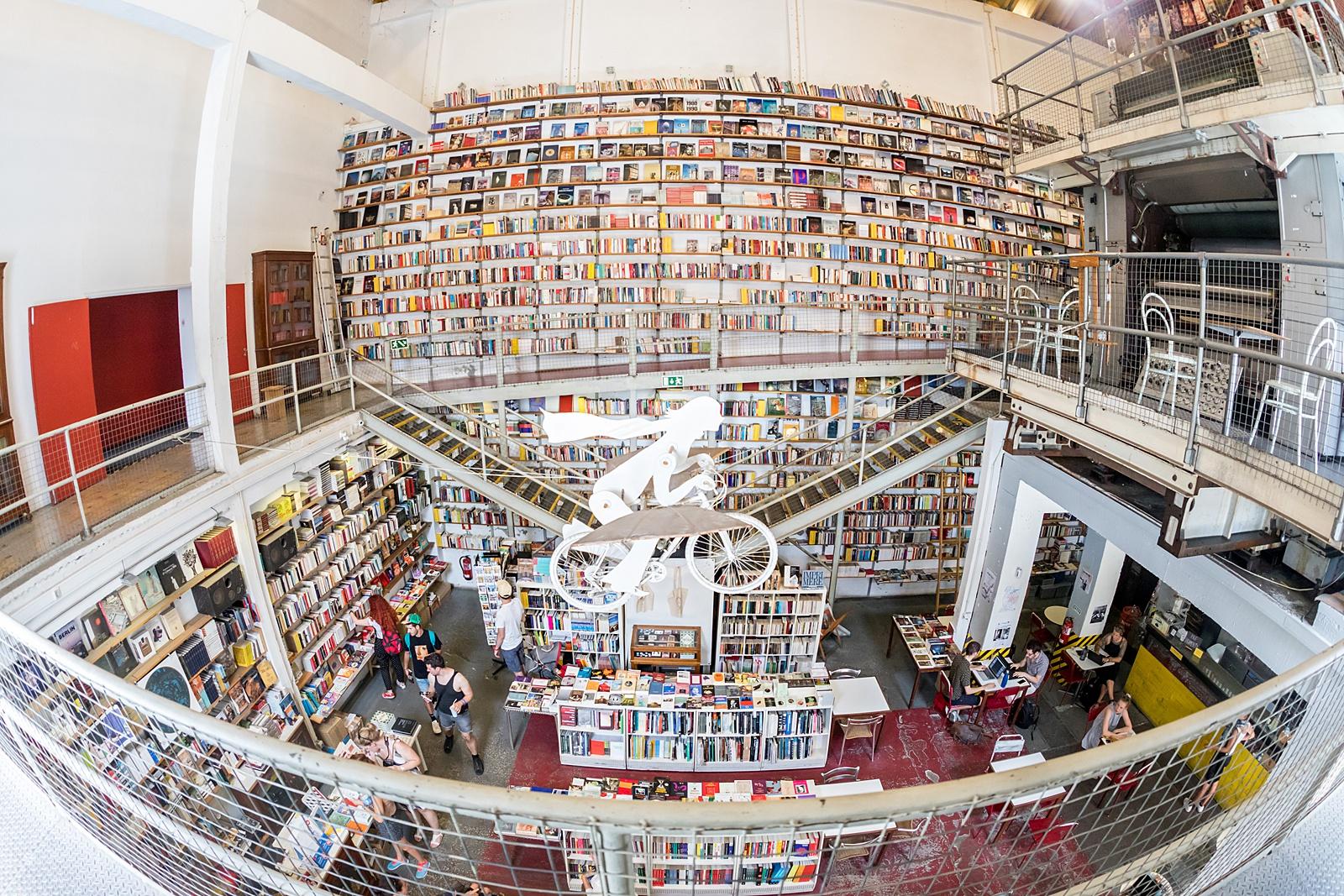 LX Factory, Ler Devagar Bookstore