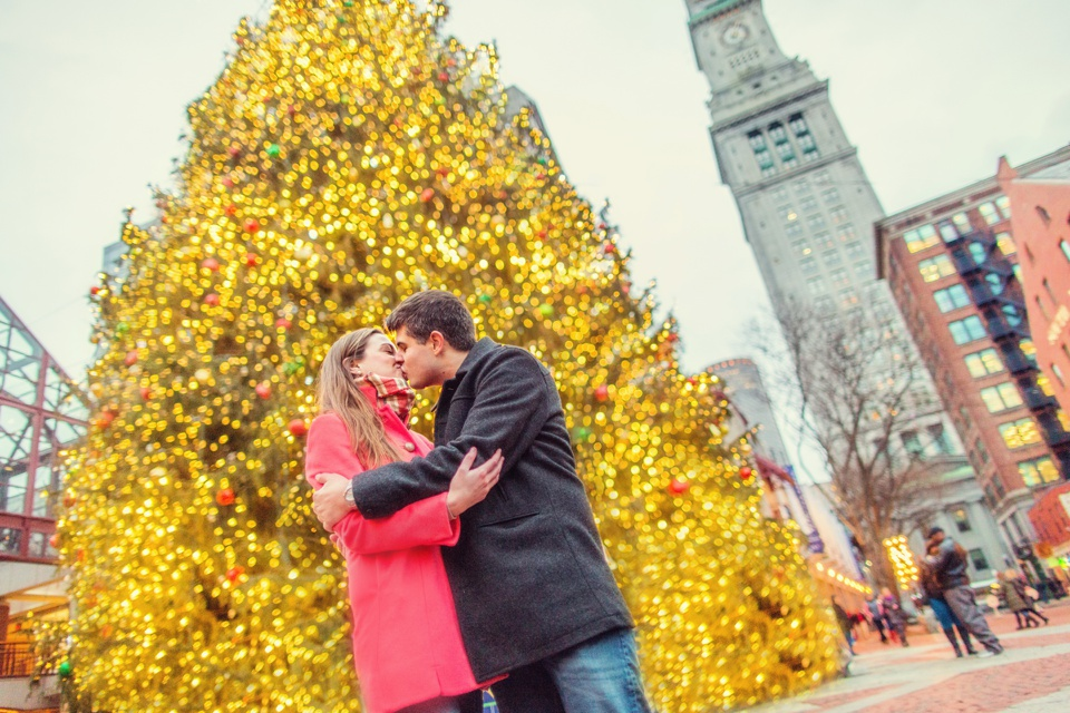 Faneuil Hall proposal and engagement photos. (C) Kate L Photography | www.kateLphotography.com