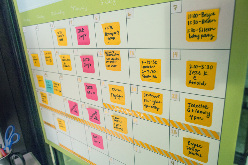 design aglow wall calendar with post-it notes