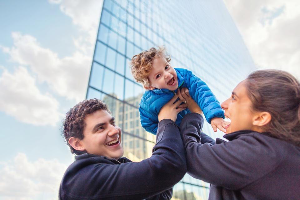 Family photographer in Back Bay, Boston.