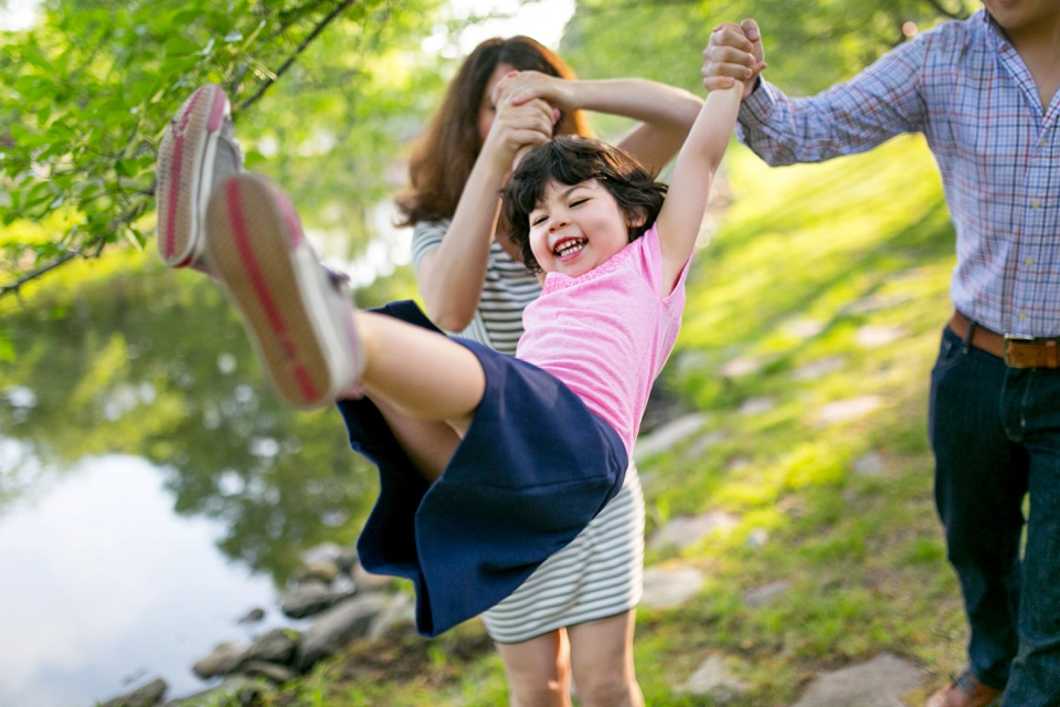 Boston family photographer captures documentary images at Charles River.
