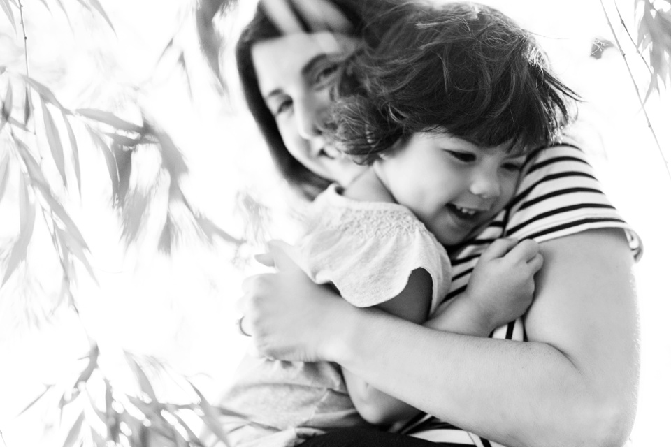 Mama/toddler snuggles captured by Kate L Photography.