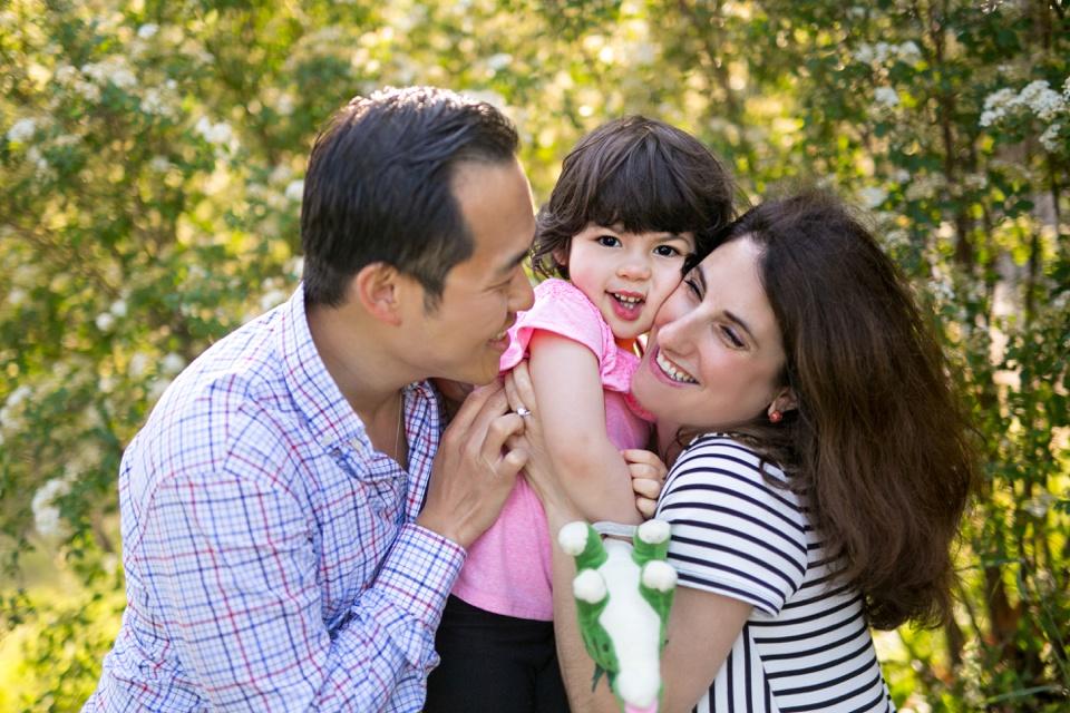 Family photos at Charles River Esplanade.