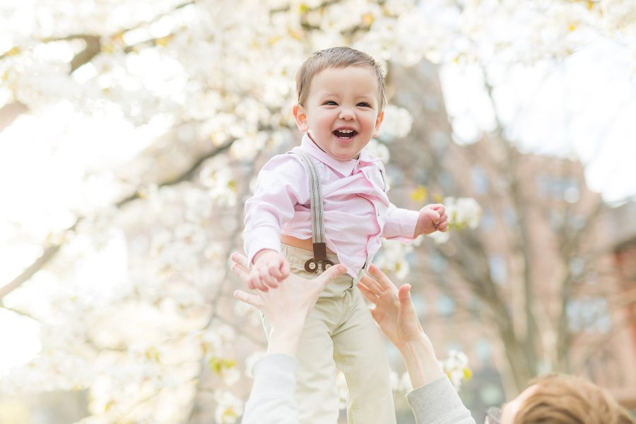 Best Locations for Spring Family Photos in Boston
